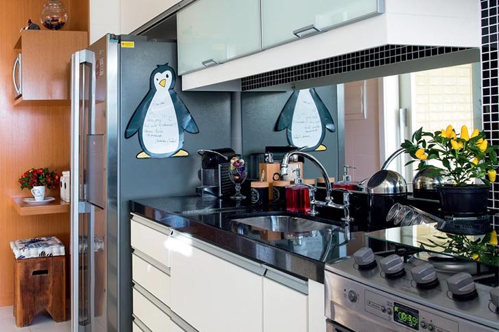 Como decorar cozinhas pequenas do tipo corredor casinha - Armarios para casas pequenas ...