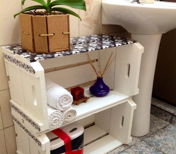 10 maneiras de organizar a casa usando caixotes de feira  Casinha Arrumada -> Banheiro Decorado Com Caixote De Feira