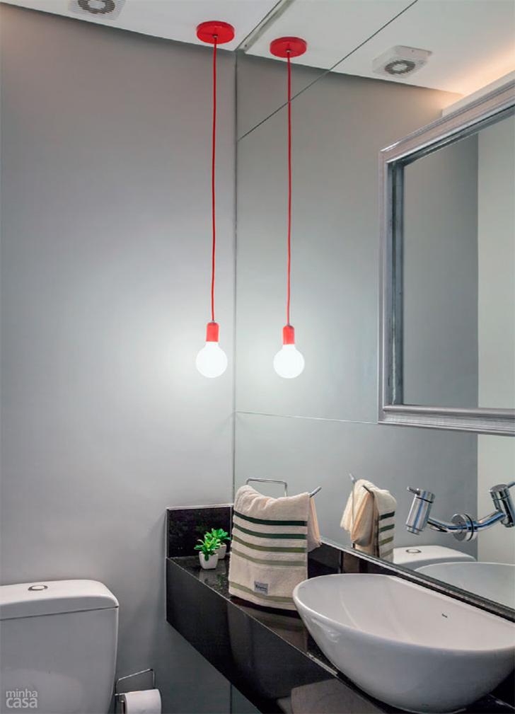 5 plantas e projetos decorados de casinhas pequenas charmosas e confortáveis  -> Lustres Banheiro Pequeno