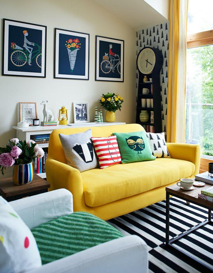 sala pequena com sofá com chaise 2