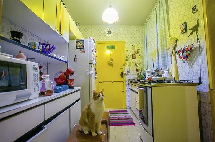 Cozinha pequena amarela