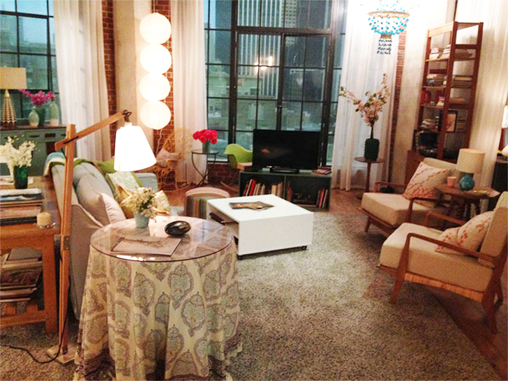 SuperGirl Kara's apartment decor 24