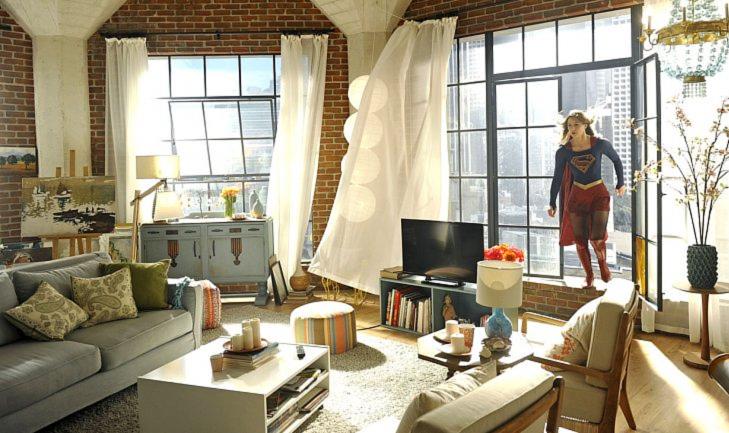 SuperGirl Kara's apartment decor 3