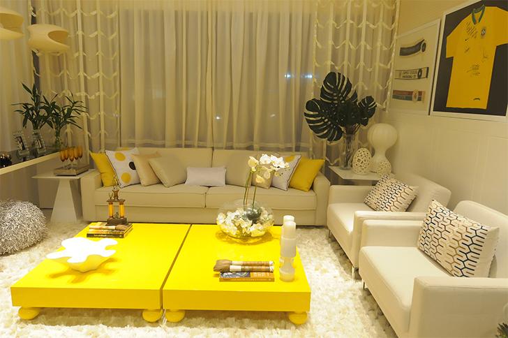 cores na decoração sala amarela 2