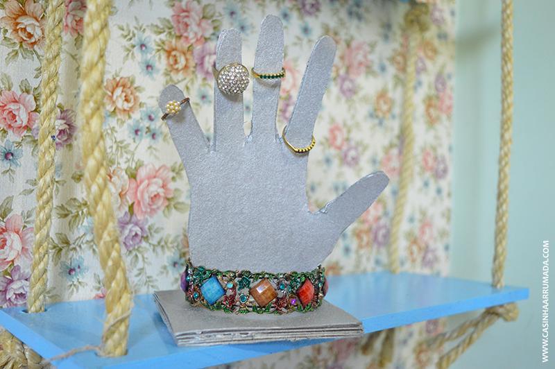 Porta-anéis Mãozinha feito com papel paraná