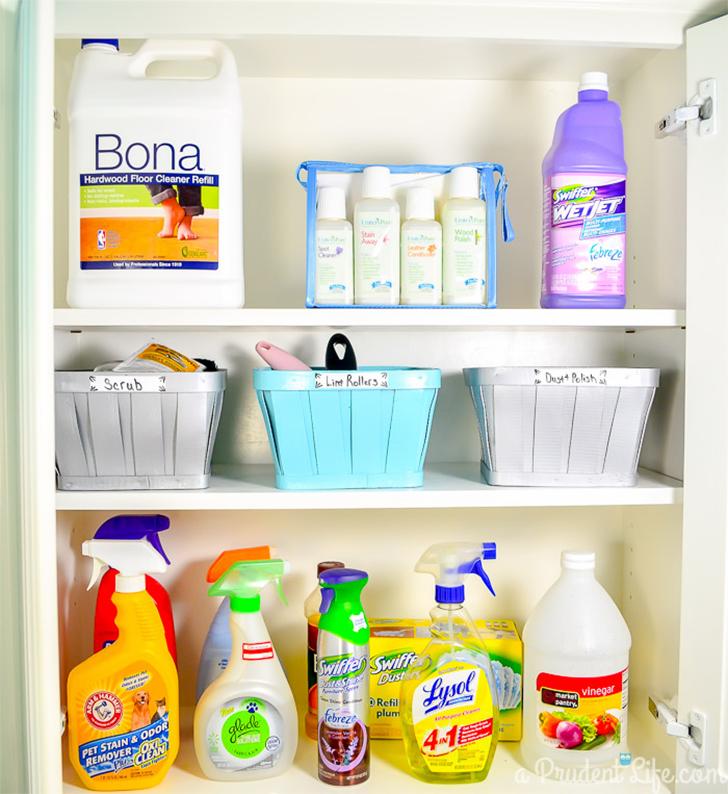 Como organizar produtos de limpeza 2
