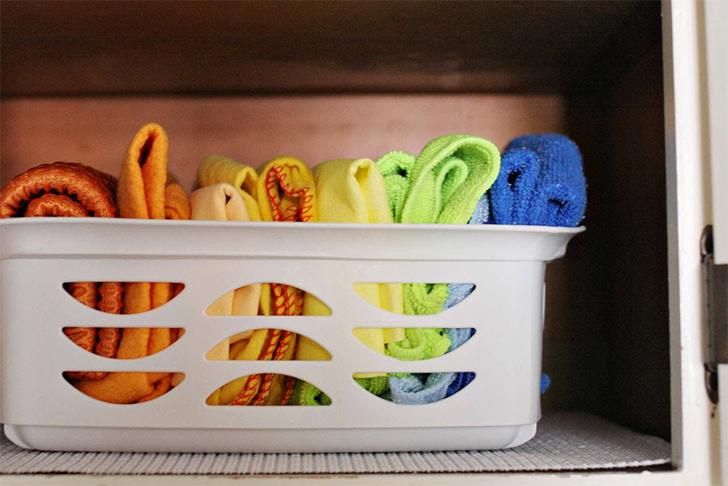 Como organizar produtos de limpeza 7