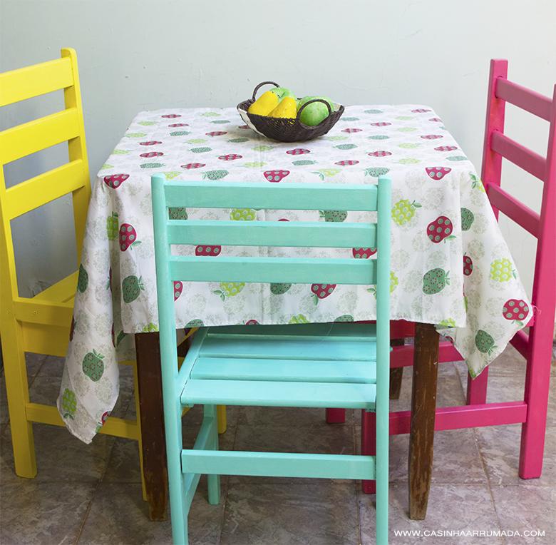 Cadeiras coloridas 1