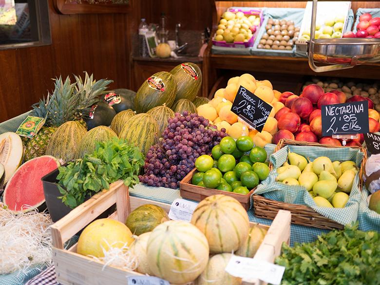 Como escolher frutas na feira 1