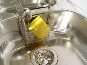 alguns-truques-simples-que-vao-ajuda-voce-na-hora-de-lavar-a-louca-1