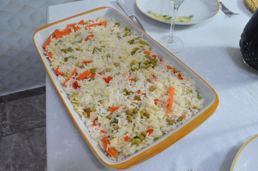 cardápio completo almoço de páscoa arroz à grega