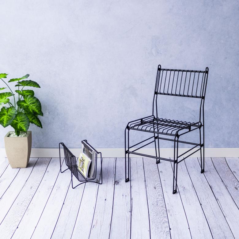 cadeiras decorativas aramadas área gourmet industrial